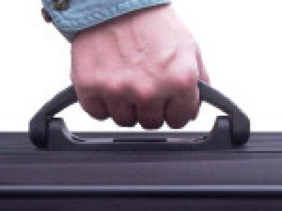 Travelling-with-suitcase